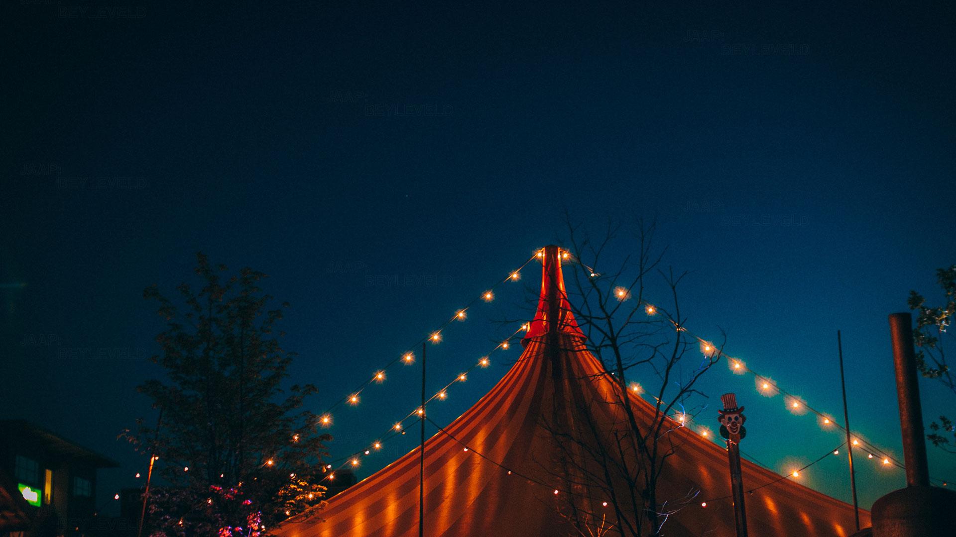 Circustent - Nacht - Thuishaven